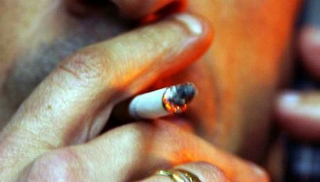H διατροφή που θα σε βοηθήσει να κόψεις το κάπνισμα