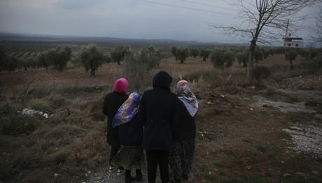 Spiegel: «Τώρα οι πρόσφυγες πεθαίνουν στα τουρκο-συριακά