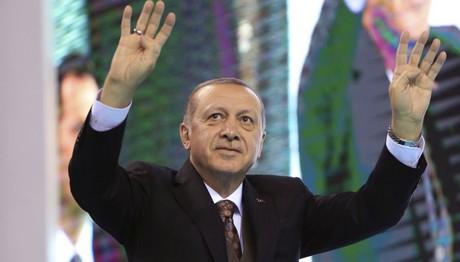 Παραλήρημα Ερντογάν με αποδέκτη των Π. Παυλόπουλο