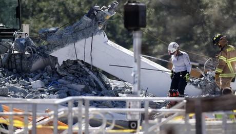 Μαϊάμι: Κατέρρευσε πεζογέφυρα - Τουλάχιστον 4 νεκροί