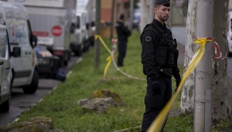 Πυροβόλησαν δημοσιογράφο και τη γυναίκα του στη Γαλλία
