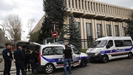 Οι ΗΠΑ απελαύνουν 60 Ρώσους διπλωμάτες