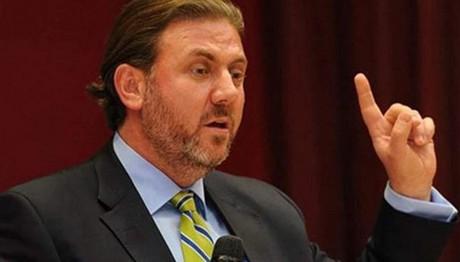 Απειλεί ο σύμβουλος του Ερντογάν για τα Ίμια