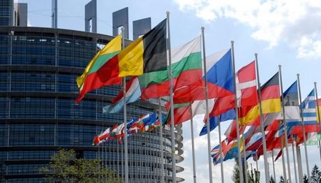 Νέοι κανόνες της Ε.Ε. για τη χρηματοδότηση των πολιτικών