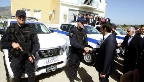 Η Ελληνική Αστυνομία  στο κηνύγι του εγκλήματος με  Nissan ΝAVARA.