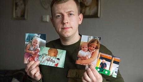 Νεαρός άντρας λιποθύμησε και ξέχασε τα παιδικά χρόνια του