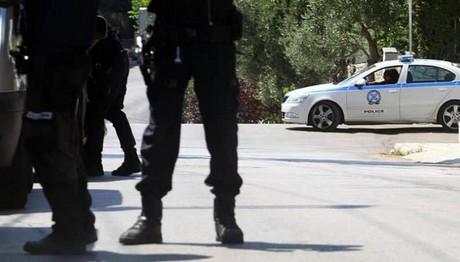 Συνελήφθησαν 6 Έλληνες για επίθεση σε σπίτι Ινδού