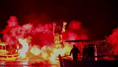 Τολό Αργολίδος: Έκαψαν τον Ιούδα μέσα στη θάλασσα