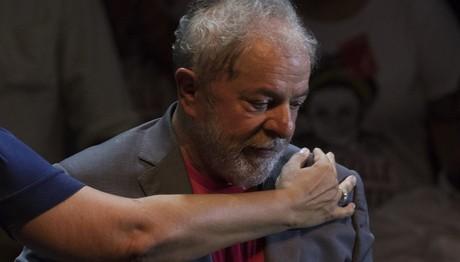 Βραζιλιά: Στη φυλακή ο Λούλα λίγους μήνες πριν τις εκλογέ