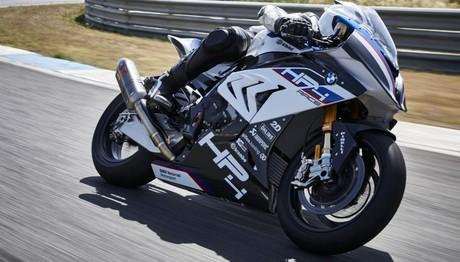 Εντυπωσιάζει η  BMW Motorrad στην έκθεση μοτοσικλέτας