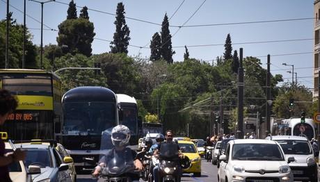 Χωρίς λεωφορεία και με πολλή κίνηση οι δρόμοι