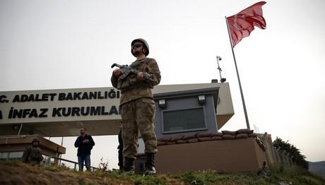 Συνέλαβαν 14 μέλη του ΙSIS στην Τουρκία