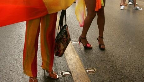 Έριξαν στον Θερμαϊκό άτομα στο Thessaloniki Pride Parade