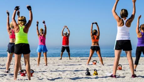 Γυμναστική στη παραλία