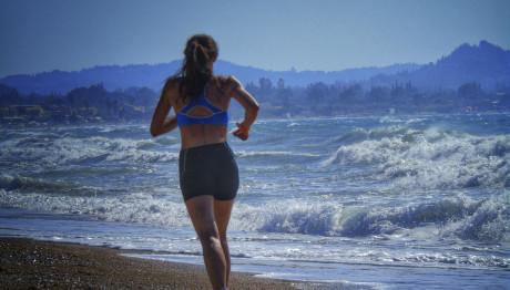 Παραλίες στην Αττική ακατάλληλες για κολύμπι
