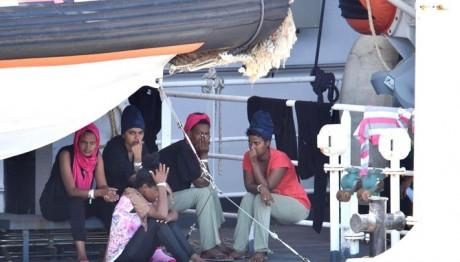 Βρυξέλλες, μεταναστες, πλοιο