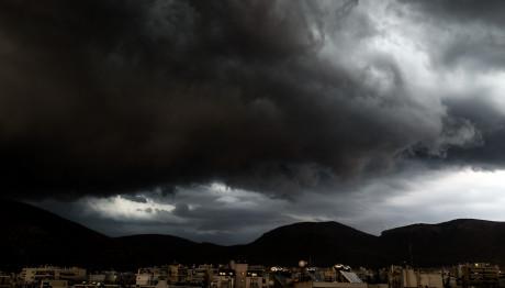 Eκτακτο δελτίο ΕΜΥ: Ερχονται καταιγίδες & χαλάζι