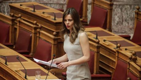 Υπουργός Εργασίας Έφη Αχτσιόγλου