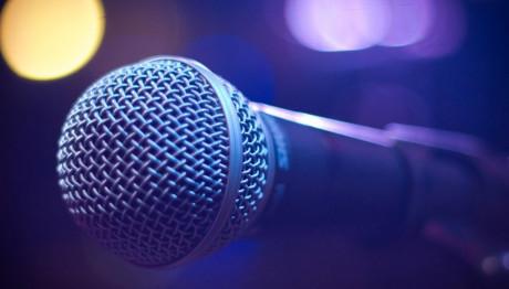 Έλληνας τραγουδιστής μιλά για τον καρκίνο