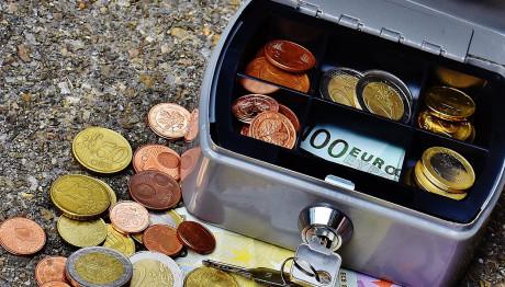 Χρήματα σε χρηματοκιβώτιο