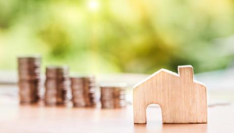 Κέρματα ξύλινο σπίτι