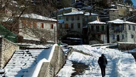Εικόνα από τα χιονισμένα Ζαγοροχώρια