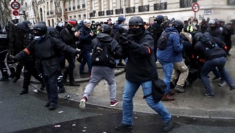 κίτρινα γιλέκα Παρίσι διαδήλωση κίτρινα γιλέκα