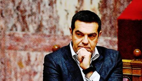 Ο πρωθυπουργός Αλέξης Τσίπρας σκεπτικός στη Βουλή
