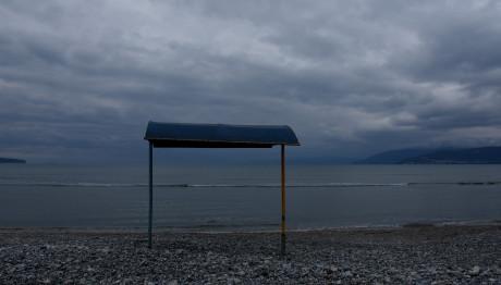 συννεφιασμένος καιρός στη θάλασσα
