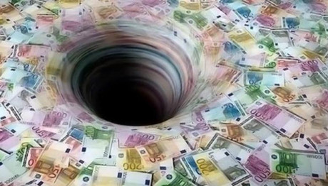 ευρώ σε μαύρη τρύπα