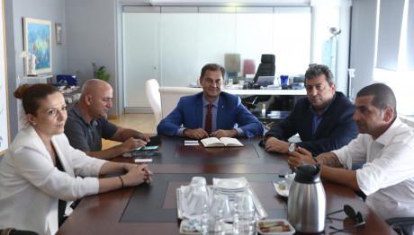 Ο Υπουργός Τουρισμού, Χάρης Θεοχάρης με φορείς της Σαμοθράκης