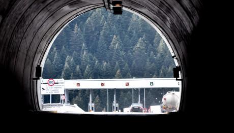 Διόδια σε αυτοκινητόδρομο