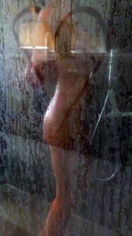 γυμνό κανάλι ντους www. μαύρη γυναίκα sex.com