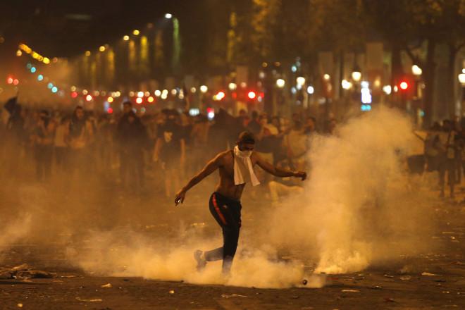 Σοβαρά επεισόδια στο Παρίσι μετά τον τελικό του Μουντιάλ