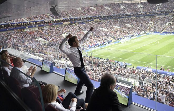 Έξαλλοι πανηγυρισμοί από τον Γάλλο πρόεδρο