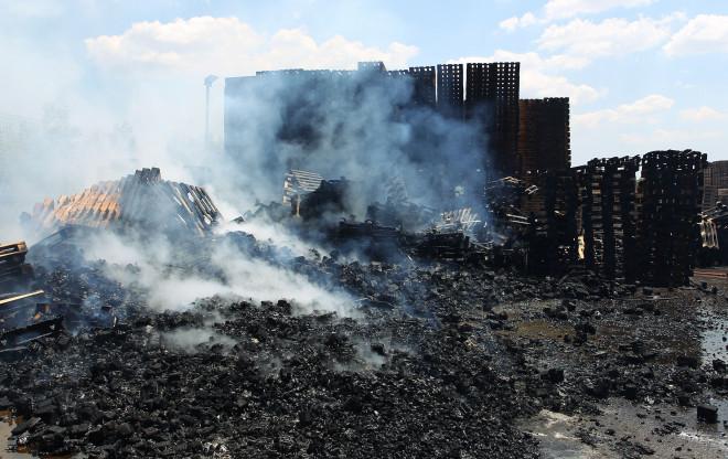 Μεγάλη καταστροφή από τη φωτιά στο Μενίδι