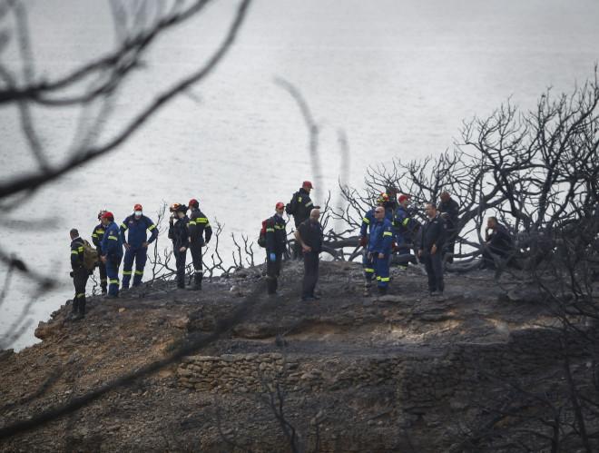 Βρέθηκαν νεκροί 15 μέτρα από τη θάλασσα