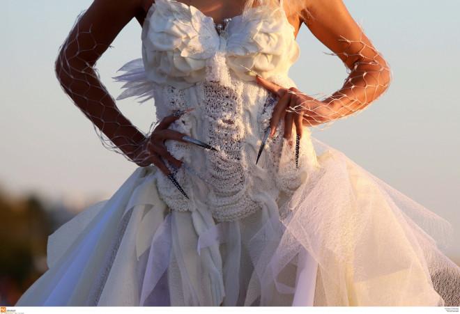 Πασαρέλα ρούχων από ανακυκλώσιμα υλικά