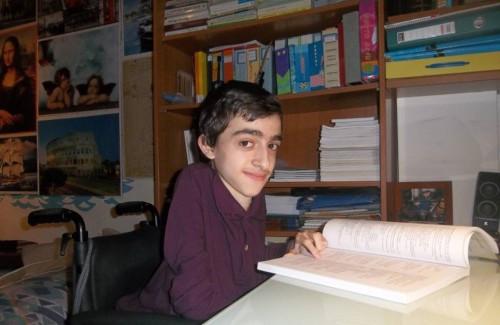 Ο Κωνσταντίνος Κριτζάς στο γραφείο του