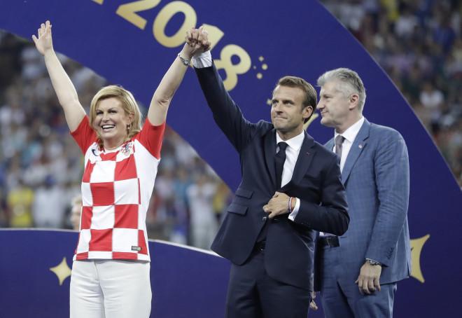 Η πρόεδρος της Κροατίας με τον Γάλλο πρόεδρο Μακρόν