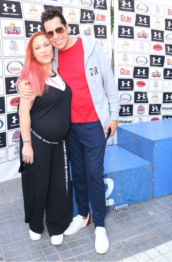 Η εγκυμονούσα Πηνελόπη Αναστασοπούλου και ο Χάρης Σιανίδης