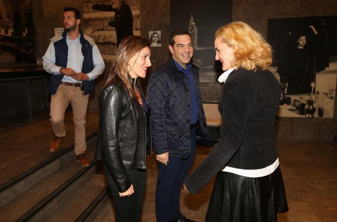 Το πρωθυπουργικό ζεύγος με τη Μαριάννα Κάλμπαρη