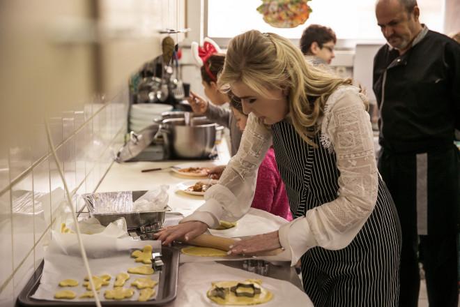 Μαζί με τα παιδιά μαγείρεψε η Μαριάννα Β. Βαρδινογιάννη