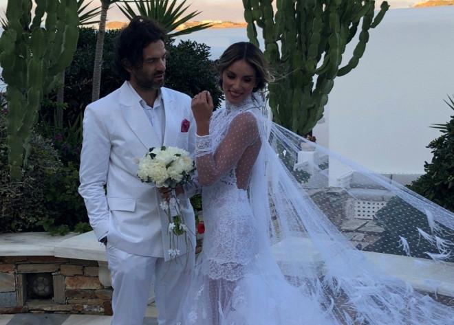 f28ac9bf80 Αθηνά Οικονομάκου-Φίλιππος Μιχόπουλος. Στο νησί των ανέμων παντρεύτηκαν  στις 6 Οκτωβρίου η Αθηνά Οικονομάκου με τον αγαπημένο της Φίλιππο  Μιχόπουλο. Η ...