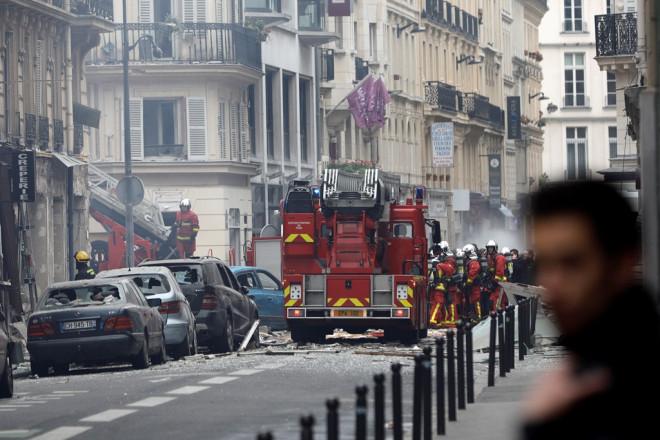 Παρίσι: Ισχυρή πυροσβεστική δύναμη στο σημείο της έκρηξης
