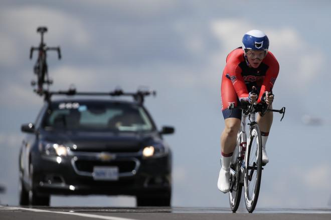 Kαναδάς, 2015: Κατά τη διάρκεια του ατομικού αγώνα ποδηλασίας των γυναικών στο Οντάριο, όπου η Κάτλιν κέρδισε τελικά το χρυσό μετάλλιο