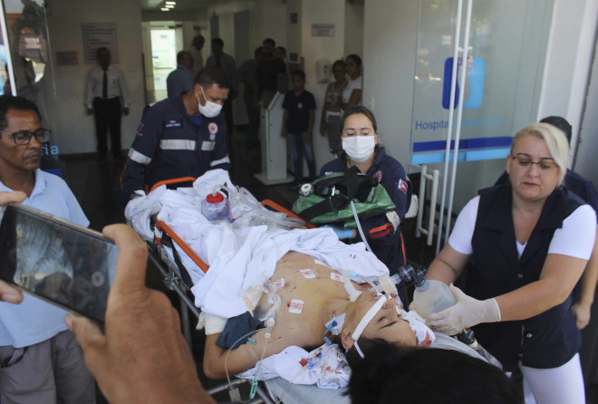 Μαθητής τραυματισμένος μεταφέρεται σε νοσοκομείο
