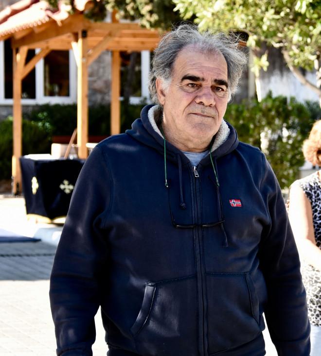 Δέκα διάσημοι Έλληνες που δεν τελείωσαν ποτέ το σχολείο!
