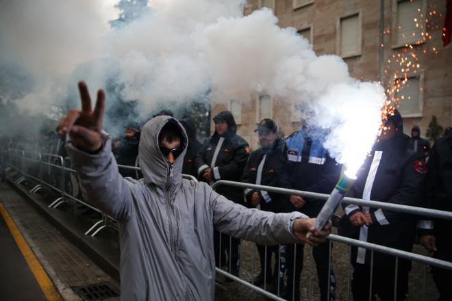 Διαδηλωτές κατά Ράμα στην Αλβανία