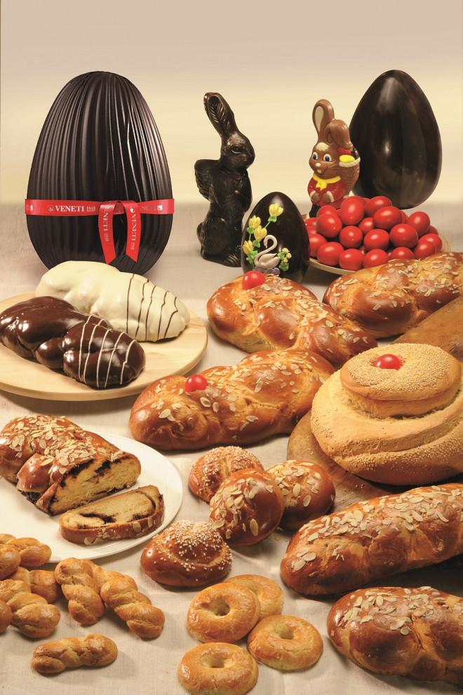 Τσουρέκια για το Πάσχα και σοκολατένια αυγά από την Βενέτη